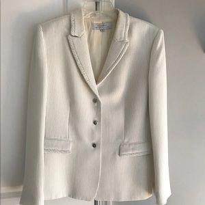 Tahari White W/Black Stripes Blazer Size 14
